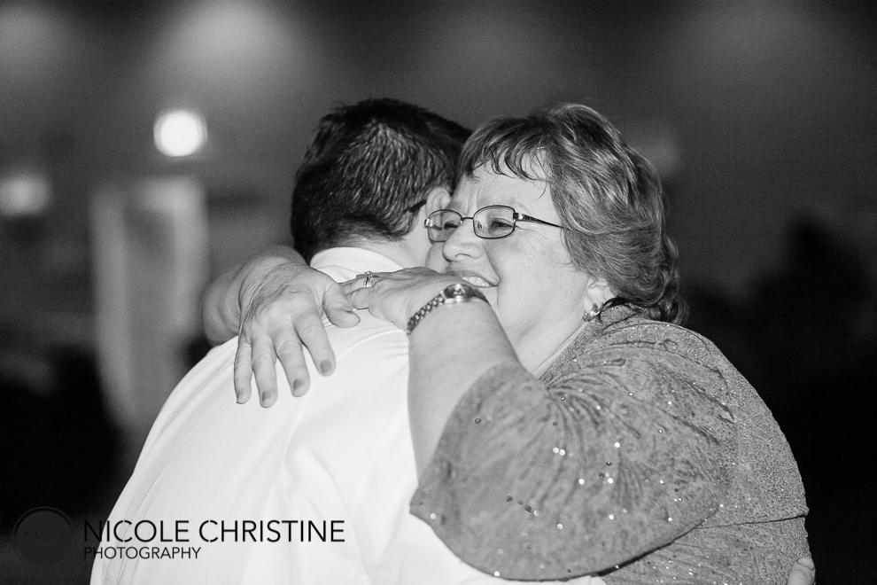best chicago wedding photographer dance-9