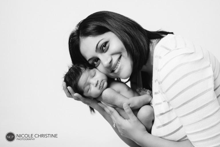 Sayani Best Chicago Newborn Photographer-12
