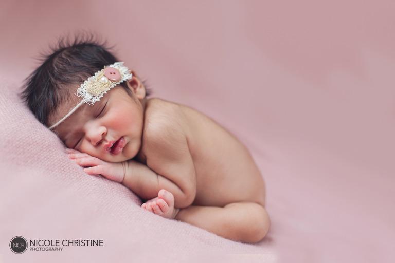 Sayani Best Chicago Newborn Photographer-2