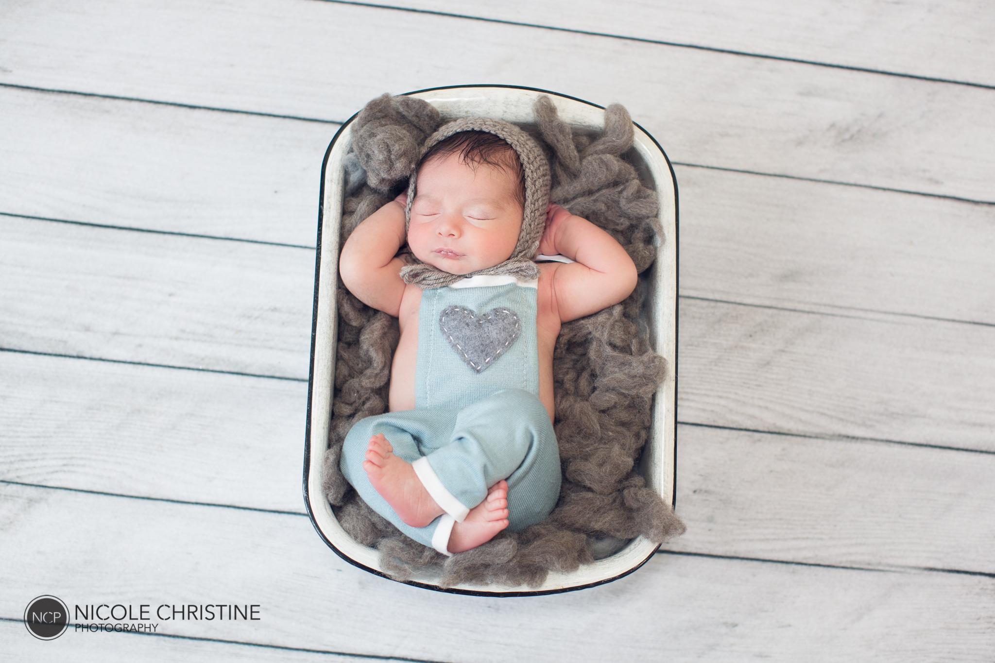 Easton Best Chicago Newborn Photos-15